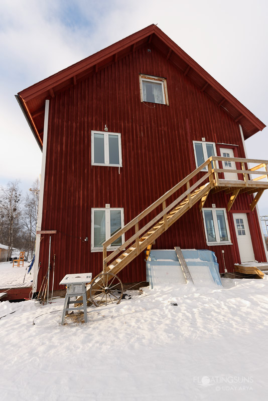 The entrance of the hostel Abisko.net